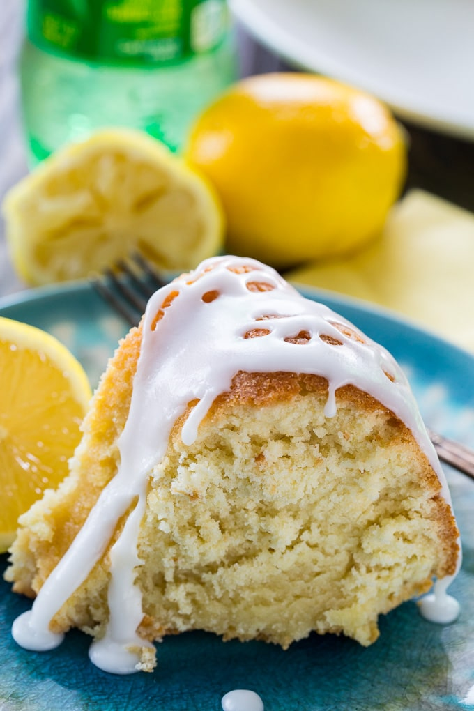 Lemon flavored 7UP Cake