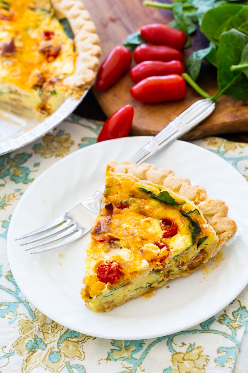 BLT Quiche with Bacon, Spinach, and Tomatoes