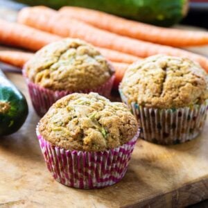 Muffins with zucchini and carrots .