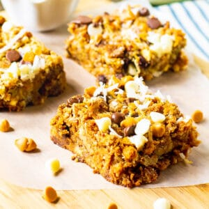 Hello Dolly Bars cut into squares.