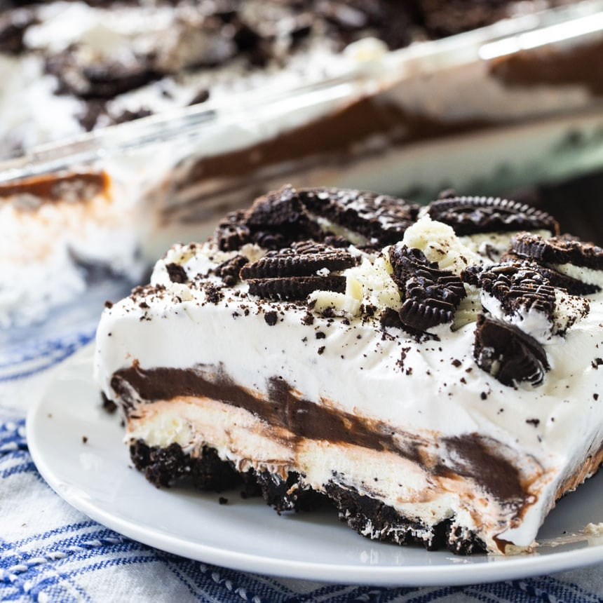 Slice of Oreo Delight on a small plate.