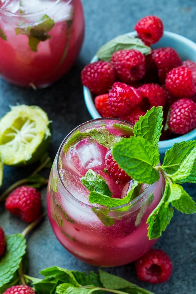 Easy Raspberry Mojtos