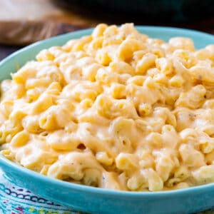 Velvet Mac and Cheese in a blue bowl.