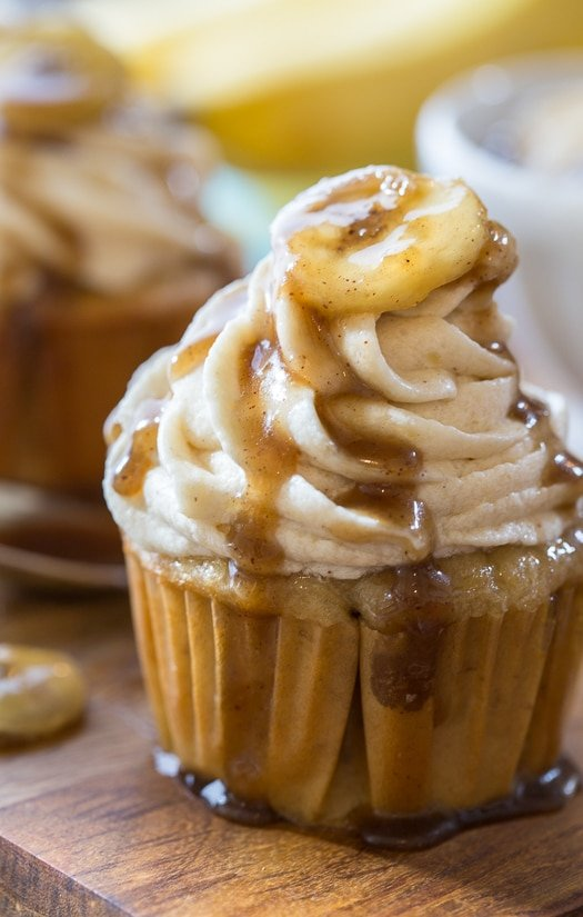 Bananas Foaters Cupcakes - all the flavors of the delicious New Orleans favorite.