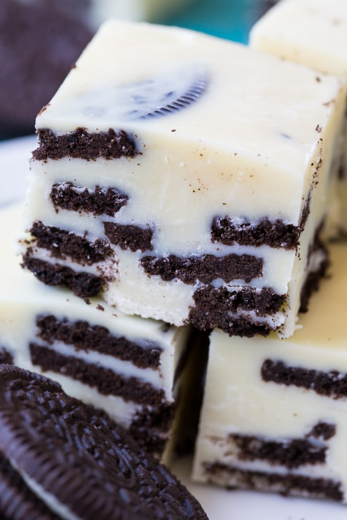 Cookies and Cream Fudge made with oreo cookies