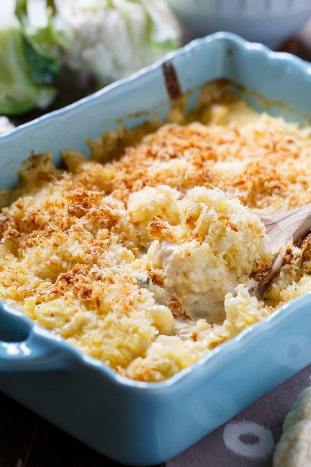 Creamed Cauliflower- a creamy and cheesy vegetarian casserole with a buttery bread crumb topping.