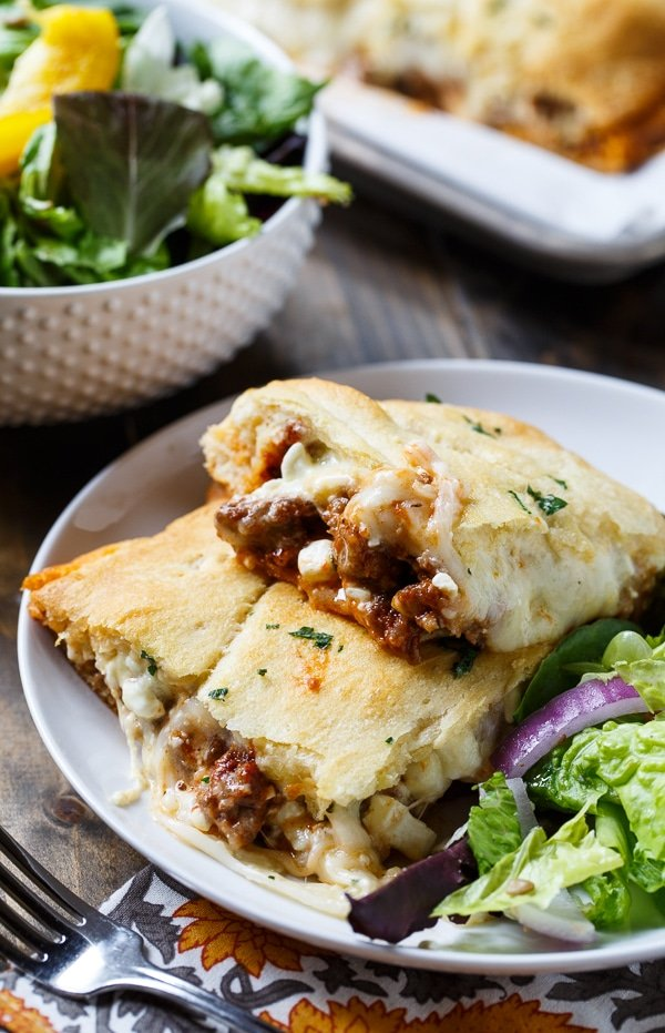 Crescent Lasagna makes an easy weeknight meal. Meat sauce and cheese sandwiched between crescent roll dough.