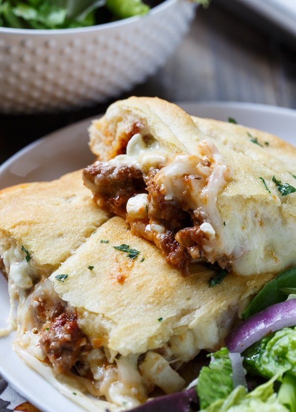 Crescent Lasagna makes an easy weeknight meal. Meat sauce and lots of cheese is sandwiched between crescent roll dough.