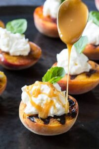 Grilled Peaches with Mascarpone Whipped Cream