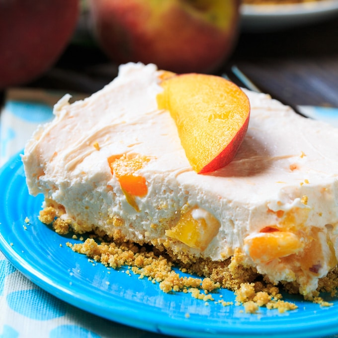 No-Bake Peach Cheesecake Bars