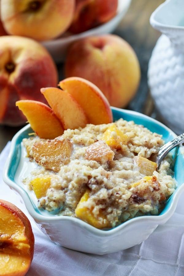 Crock Pot Peaches and Cream Oatmeal