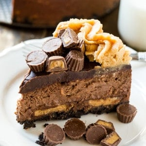 Chocolate Peanut Butter Cup Cheesecake