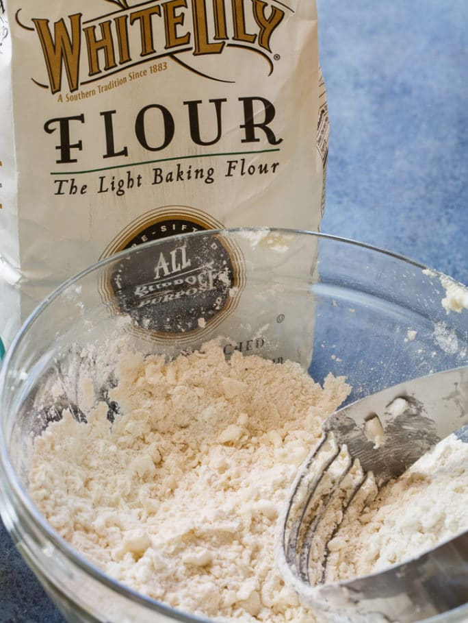 How to Make Flaky Pie Crust
