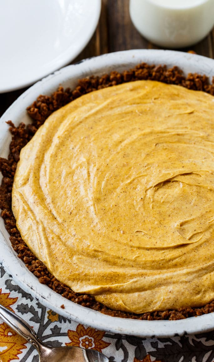 Marshmallow Pumpkin Pie with gingersnap crust
