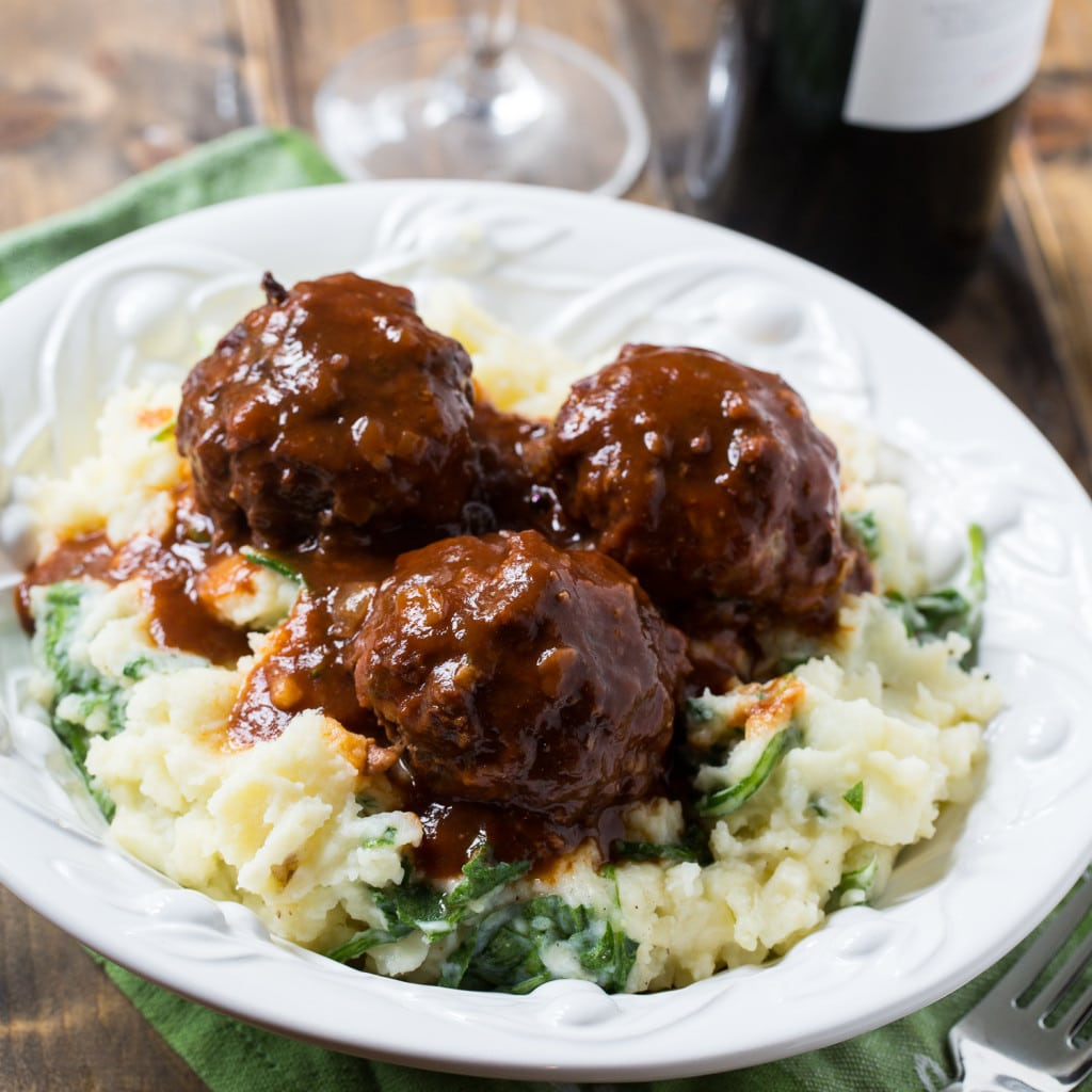 How to cook meatballs with gravy in a pan and in the oven 91