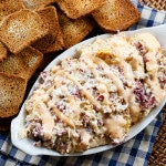 Reuben Dip- warm, creamy, and cheesy with all the flavors of the classic Reuben sandwich.