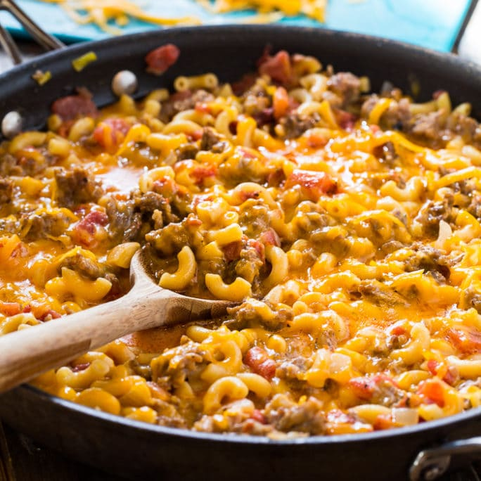 sausage mac and cheese