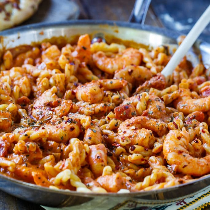 Spicy Shrimp and Tomato Cream Pasta