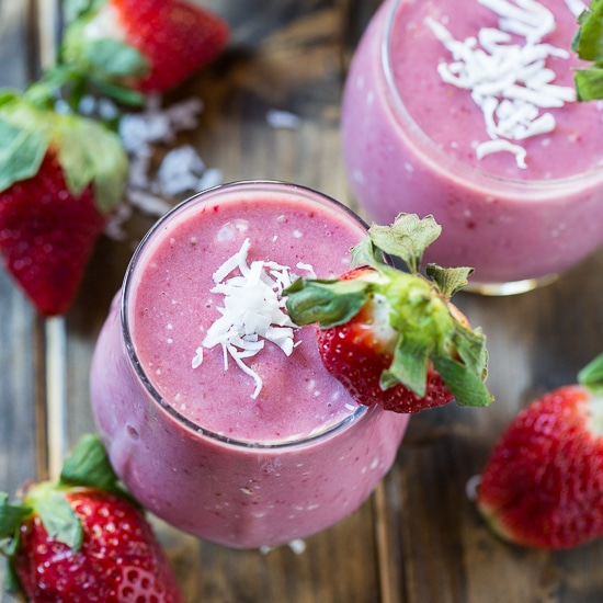 Strawberry Coconut Smoothie #Whole30 #paleo