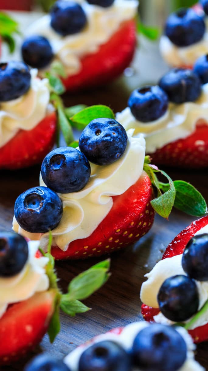how to make blue strawberries
